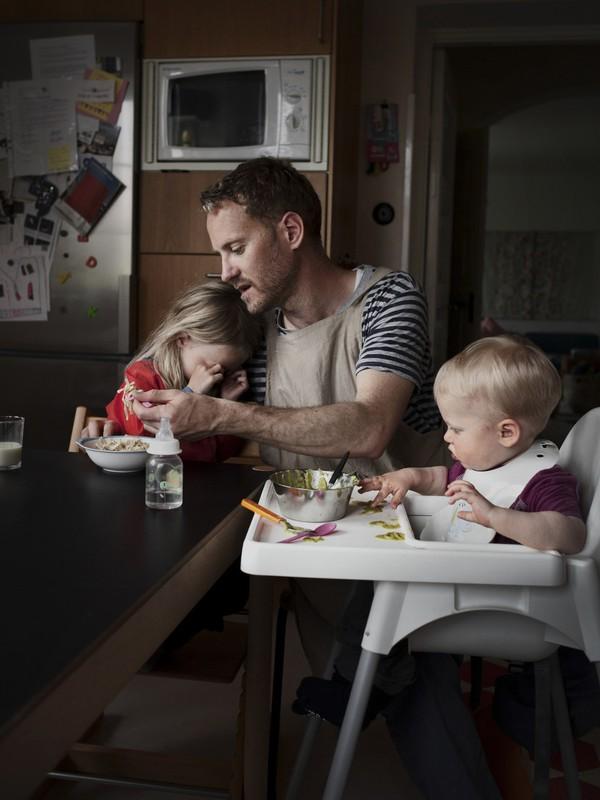 Tan chảy với bộ ảnh bố Thụy Điển ở nhà chăm con 6