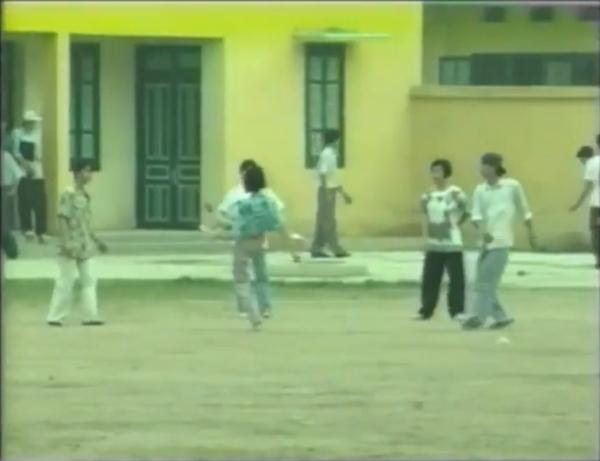 Cuộc sống của sinh viên Việt Nam năm 1994 18