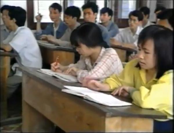 Cuộc sống của sinh viên Việt Nam năm 1994 14