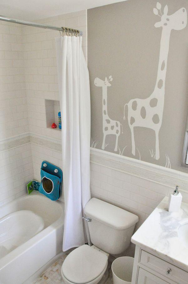 Trang trí phòng tắm đầy màu sắc vui nhộn cho bé 9