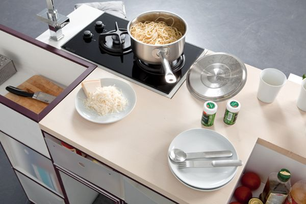 Thích thú với 5 mẫu bếp dài không quá một sải tay 15