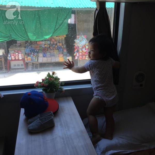 Hành trình của những bà mẹ tìm kiếm vắc-xin dịch vụ cho con