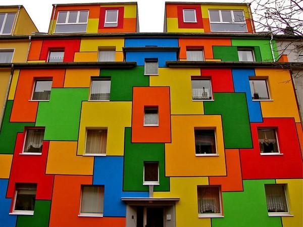 Những ngôi nhà có mặt tiền rực rỡ sắc màu 6