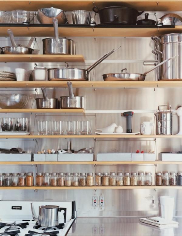 Nhà bếp phong cách với hệ thống kệ mở 5