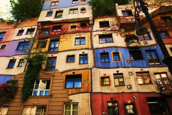 Những ngôi nhà có mặt tiền rực rỡ sắc màu 4