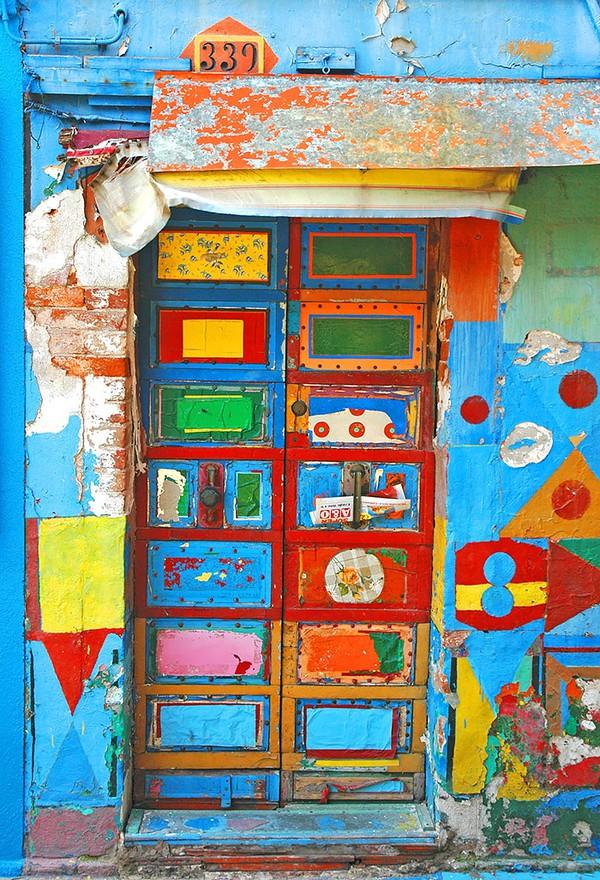 Những cánh cửa nhà ngập tràn màu sắc trên thế giới 1