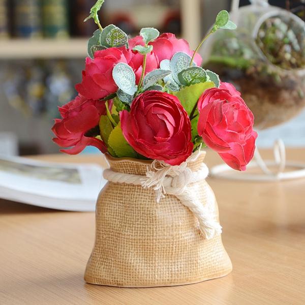 Mẫu chậu hoa để bàn công sở xinh xắn có giá dưới 200 nghìn đồng 4