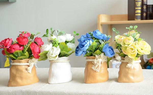 Mẫu chậu hoa để bàn công sở xinh xắn có giá dưới 200 nghìn đồng 6