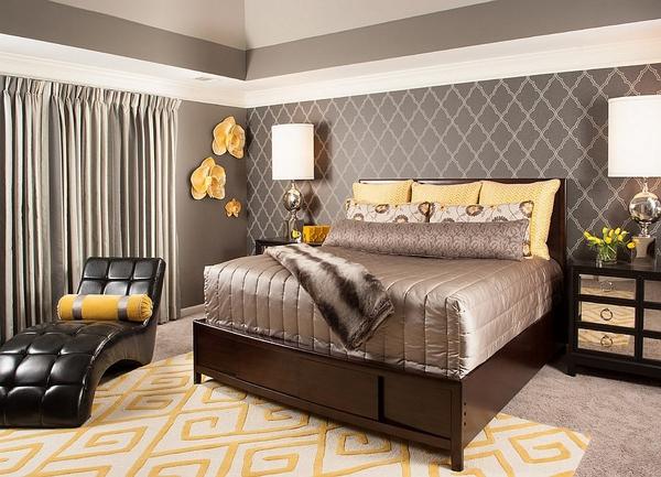 Phòng ngủ với gam màu xám sang trọng và vàng thanh lịch 1