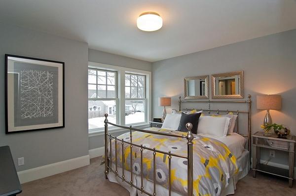 Phòng ngủ với gam màu xám sang trọng và vàng thanh lịch 21