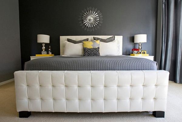 Phòng ngủ với gam màu xám sang trọng và vàng thanh lịch 3