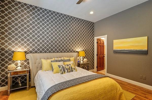Phòng ngủ với gam màu xám sang trọng và vàng thanh lịch 4