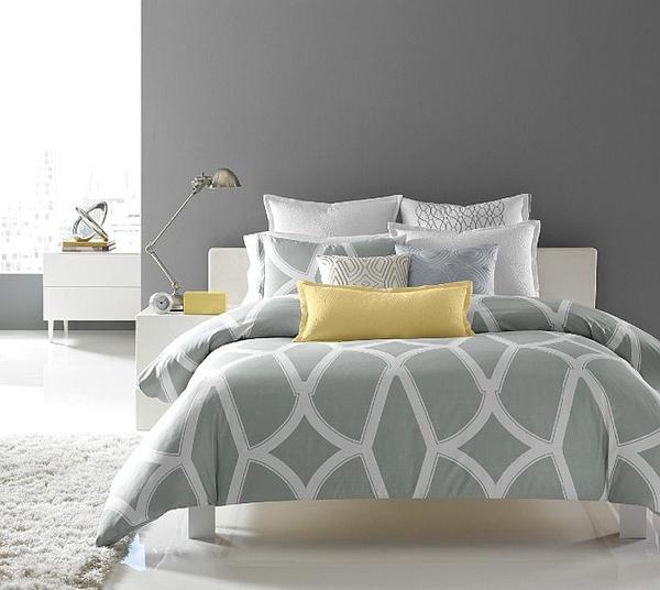 Phòng ngủ với gam màu xám sang trọng và vàng thanh lịch 6