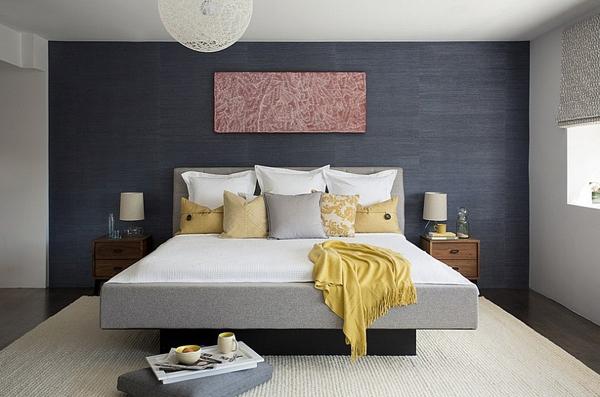 Phòng ngủ với gam màu xám sang trọng và vàng thanh lịch 9