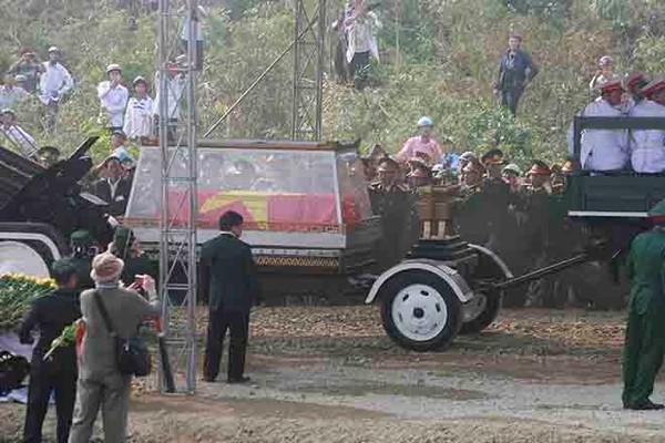 Đại tướng Võ Nguyên Giáp đã yên nghỉ trong lòng đất Mẹ 93