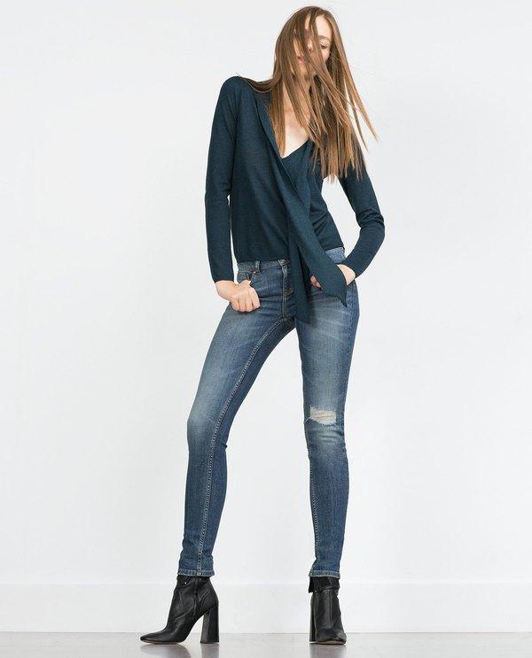 Zara mang đến cho bạn một gợi ý tuyệt vời cả về kiểu dáng lẫn giá thành của  nó chỉ 12.9$ (khoảng gần 300 nghìn VNĐ).
