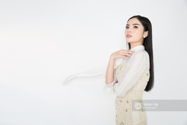 sao Việt tóc thẳng