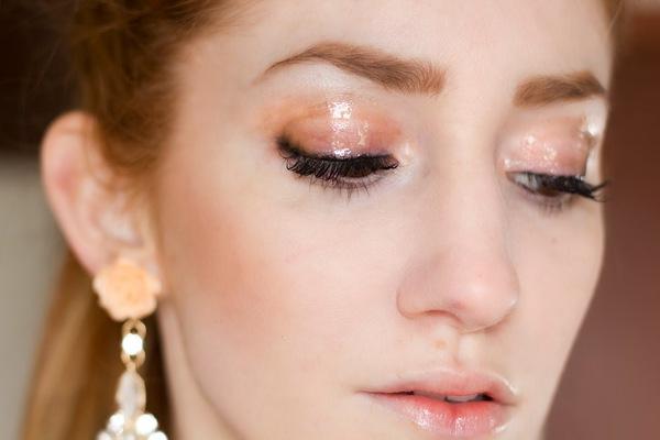 7 mẹo trang điểm mắt-môi nhũ mới toanh cho những ngày lễ hội 5