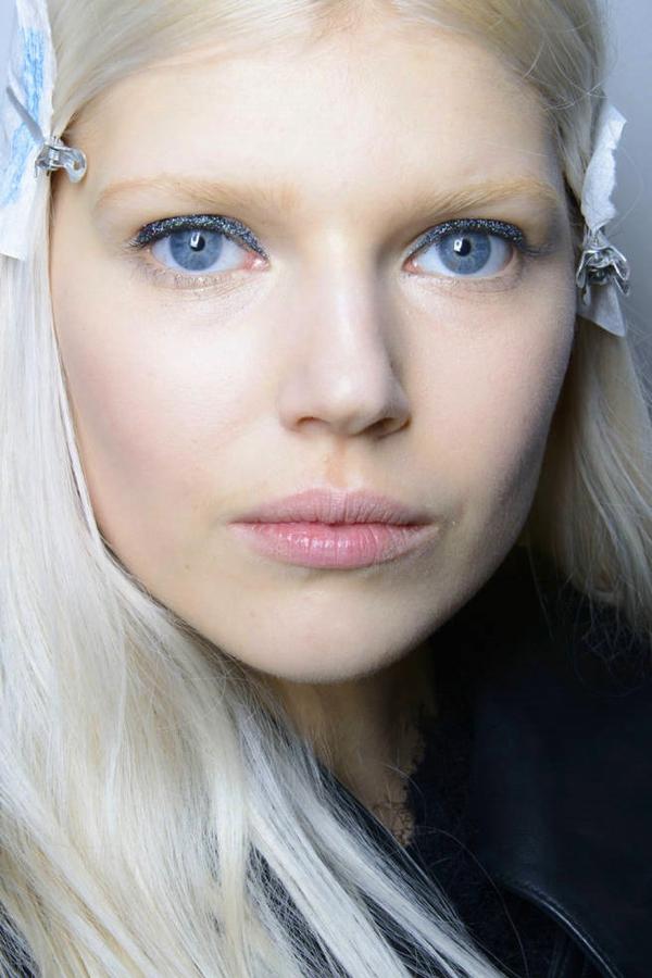 7 mẹo trang điểm mắt-môi nhũ mới toanh cho những ngày lễ hội 6