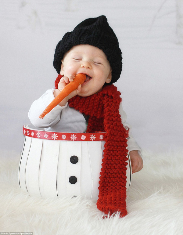 Ngây ngất với chùm ảnh bé sơ sinh trong trang phục Noel 2