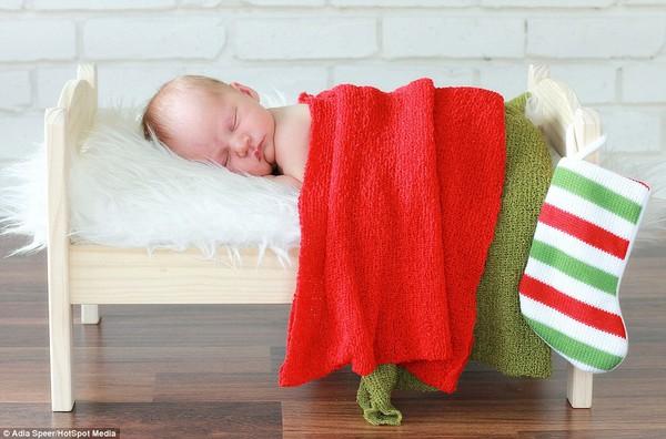 Ngây ngất với chùm ảnh bé sơ sinh trong trang phục Noel 7