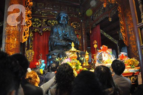 Người dân Hà Nội - Sài Gòn nô nức đi lễ chùa ngày đầu năm 5