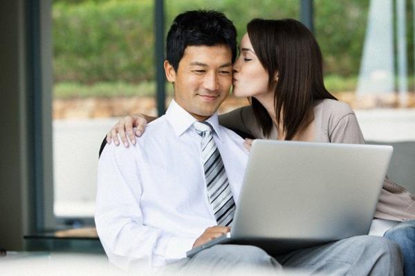Nỗi lòng của quý ông chưa bao giờ được vợ trao nụ hôn nồng nàn 1