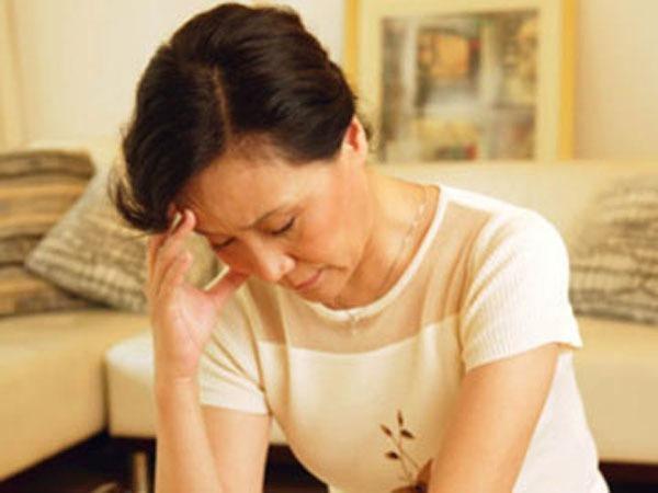 Vợ ở cữ nhà ngoại, chồng lồng lộn lên đòi li dị là khốn nạn?