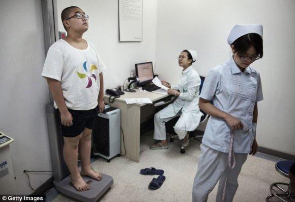 Mục sở thị trại huấn luyện dành cho trẻ béo phì con nhà giàu ở Trung Quốc 8