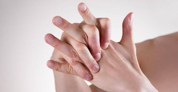 đau ngón tay cảnh báo bệnh1