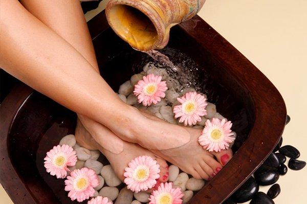 massage bàn chân mùa đông