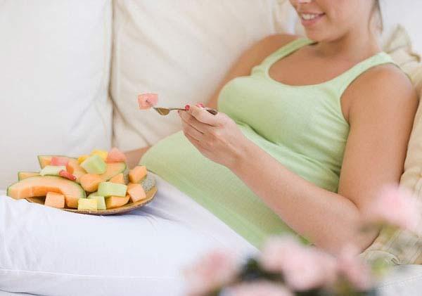 Những thứ mẹ bầu nên ăn để sinh con thông minh 1