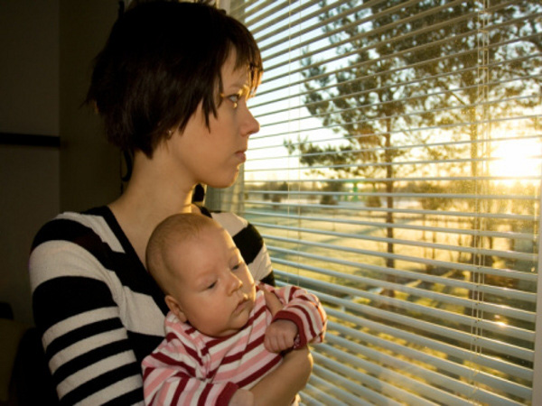 Các mẹ đừng để mình rơi vào trầm cảm sau sinh 1