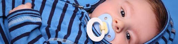 Trẻ mắc đủ thứ bệnh vì nghiện núm vú giả 3