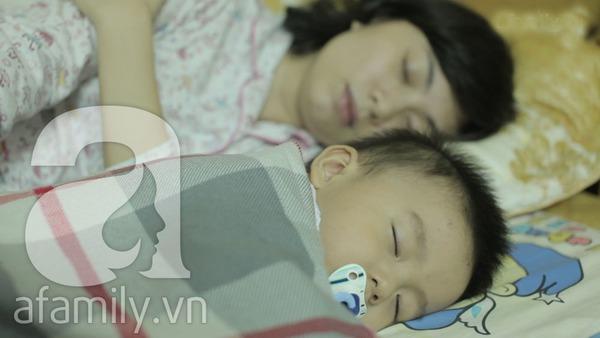 Mách mẹ cách giữ ấm cho con khi ngủ ban đêm 1