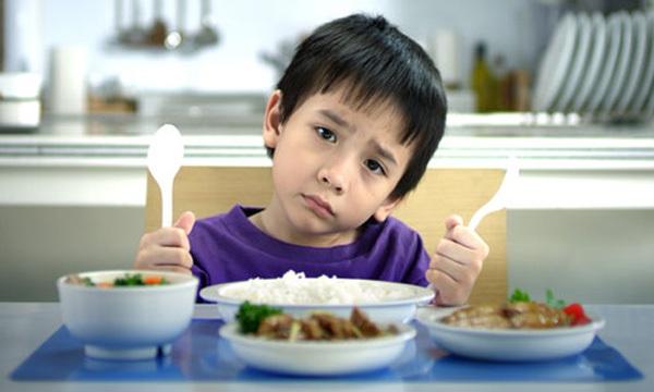 """9 bí quyết """"bỏ túi"""" cho mẹ có bé biếng ăn 1"""