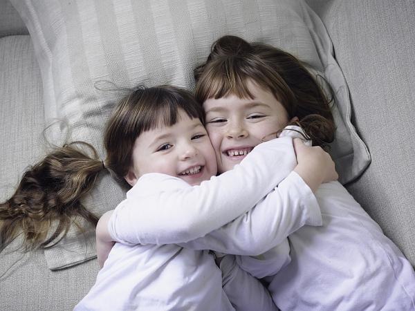 6 gợi ý tuyệt vời dạy con biết chia sẻ và yêu thương 2