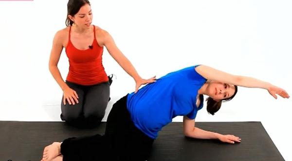 Bài tập giúp cơ eo và cơ bụng của mẹ bầu khỏe hơn 1