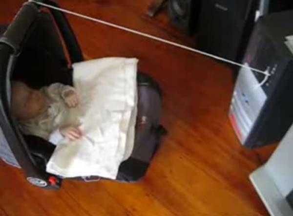 Không thể nhịn cười với chùm ảnh bé hài hước khi ngủ 20