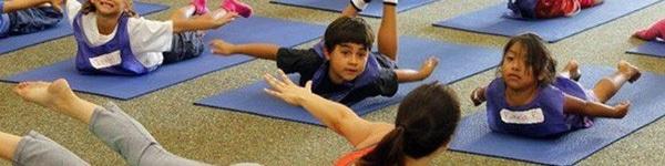 5 tư thế yoga tuyệt vời cho bé 6