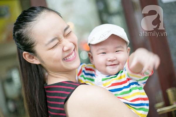 Cựu hot girl Diệp Bảo Ngọc mộc mạc với vai trò làm mẹ 10
