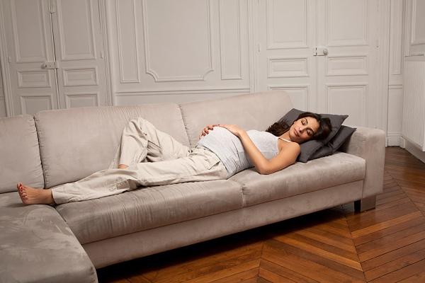 Lý do mẹ bầu không nên nằm ngửa khi ngủ 1