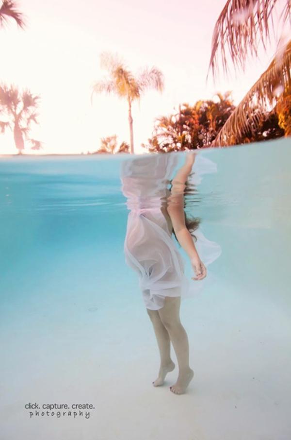 Cận cảnh một ca sinh con dưới nước khởi động ở... bể bơi 2