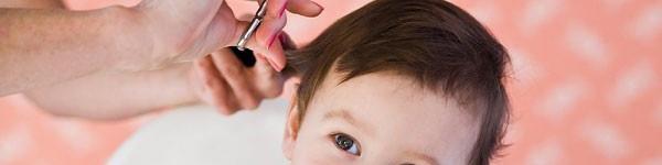 Những nguyên nhân khiến bé rụng tóc mẹ ít ngờ tới nhất 2