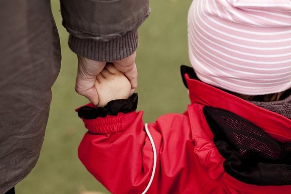 5 chú ý quan trọng khi mặc quần áo cho bé trong ngày lạnh 2