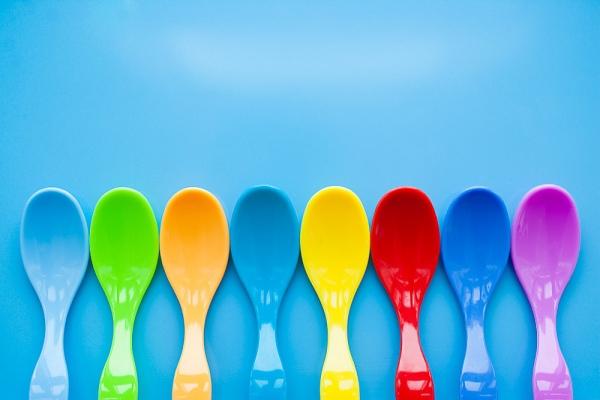 10 mẹo giúp mẹ tập cho bé tự xúc ăn bằng thìa 3