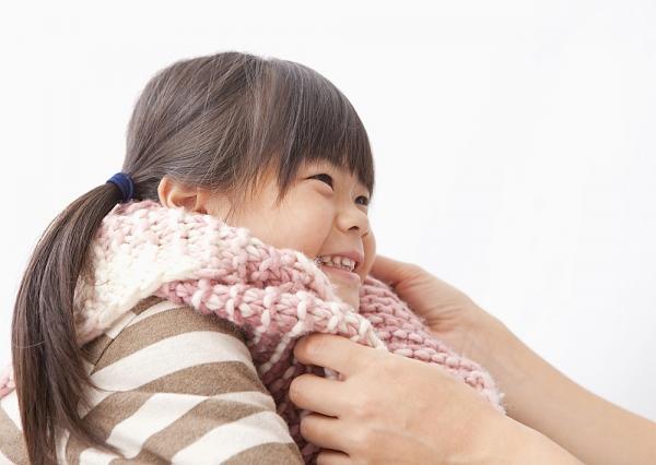 Bé bị lạnh tay chân, cha mẹ chớ coi thường! 1