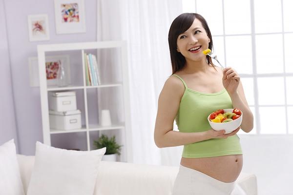 24 vấn đề dinh dưỡng quan trọng trong suốt thai kỳ 1