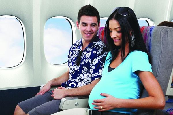 8 gợi ý hữu ích cho bà bầu khi đi máy bay  1