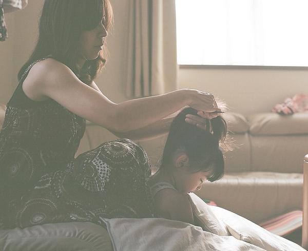 Mẹ Nhật: Yêu con thì đừng khoe khoang con trên mạng 1